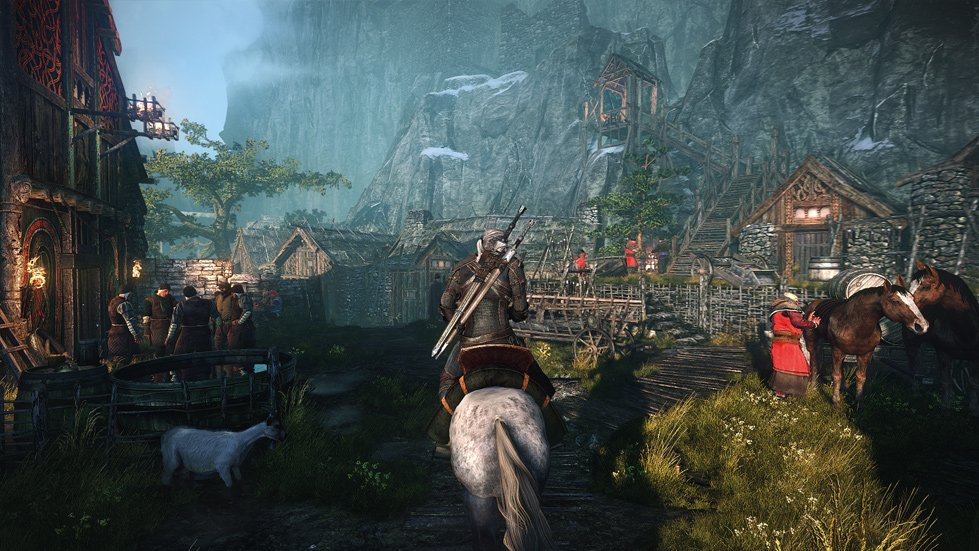 Screenshot-Geralt-Camp-Crowd-Riding-Roche-Horse.jpg